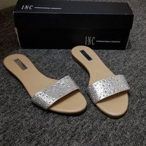 International concept sandals